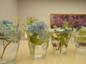 テーブルの花.JPG